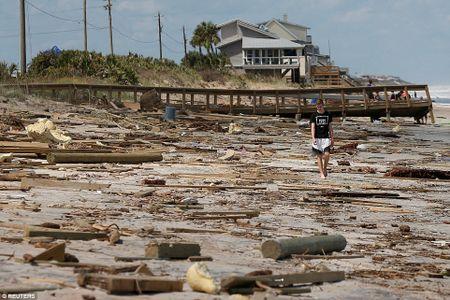 Sieu bao 'quai vat' Irma da 'can xe' Florida nhu the nao? - Anh 7