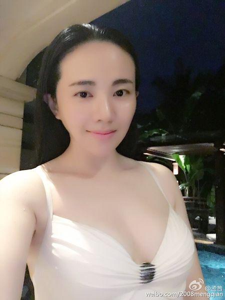 Doi thuc cua con gai nuoi Chau Nhuan Phat khien nhieu nguoi ngo ngang - Anh 26