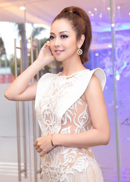 Jennifer Pham dep nhu nu than voi vay la mat, nhin thau 60% co the - Anh 2