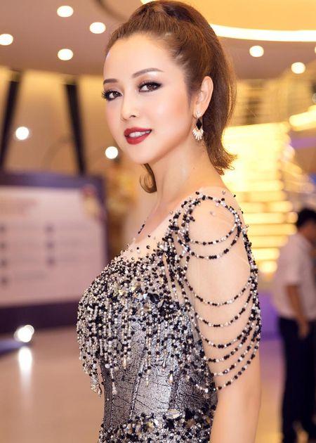 Jennifer Pham dep nhu nu than voi vay la mat, nhin thau 60% co the - Anh 5