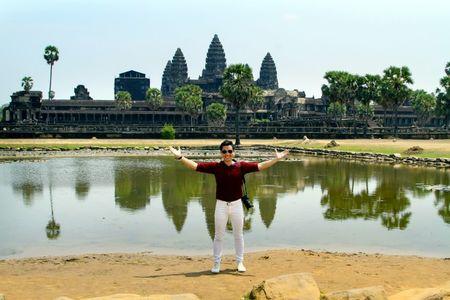 MC Nguyen Khang di phuot Campuchia voi 5 trieu dong - Anh 1