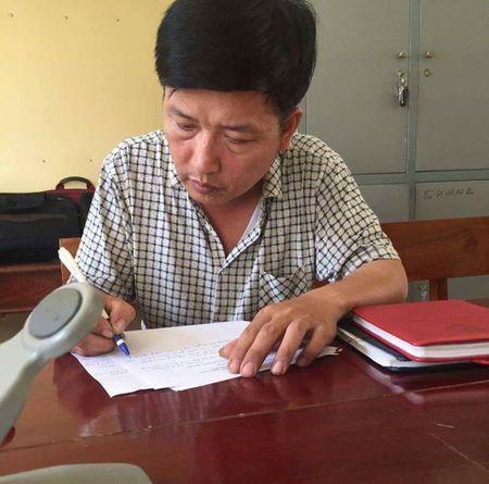 Khoi to nguoi dan ong dam o be gai 12 tuoi xong cho 50.000 dong - Anh 1