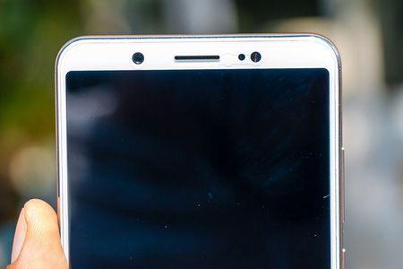 Chi tiet smartphone camera selfie 24 MP chuan bi len ke o Viet Nam - Anh 7