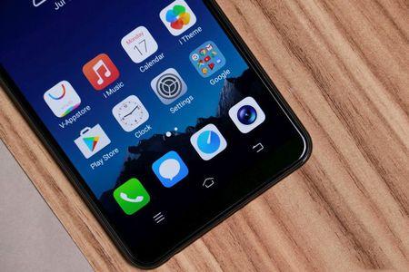 Chi tiet smartphone camera selfie 24 MP chuan bi len ke o Viet Nam - Anh 8