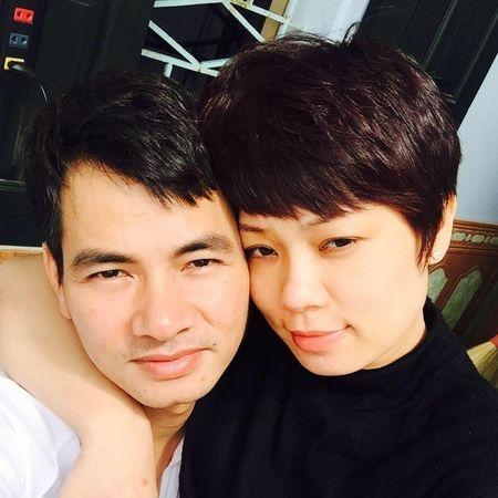Vo Xuan Bac cam chong lam giam doc sau livestream to bi chen ep - Anh 2