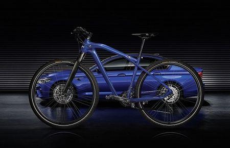 BMW M Bike Limited Carbon Edition 2017: 'Cap bai trung' cua BMW M5 - Anh 4
