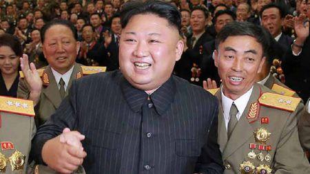 Y do Kim Jong-un khi phong ten lua bay xa nhat qua Nhat - Anh 1