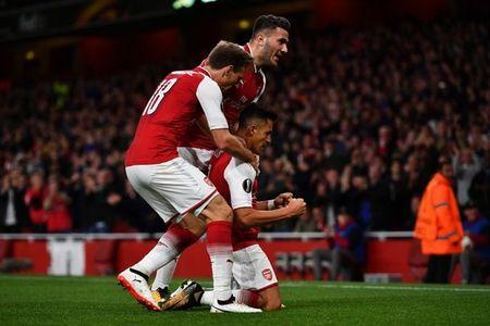 Sanchez lap sieu pham, Arsenal thang nhoc ngay chao Europa League - Anh 4