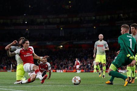 Sanchez lap sieu pham, Arsenal thang nhoc ngay chao Europa League - Anh 5