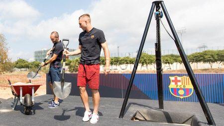 Le khoi cong xay dung SVD mang ten thanh Johan cua Barca - Anh 10