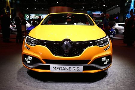 Renault Megane RS moi, 'doi thu' cua Ford Focus RS - Anh 2