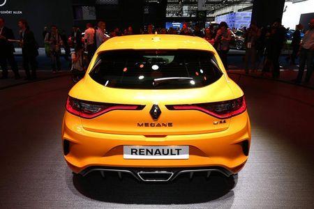 Renault Megane RS moi, 'doi thu' cua Ford Focus RS - Anh 3