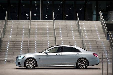 Xe sang Mercedes-Benz S560e chi 'uong' 2,1 lit xang/100 km - Anh 2