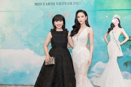 Nam Em trao vuong mien 'Hoa hau Trai dat Viet Nam' cho A hau Ha Thu - Anh 3