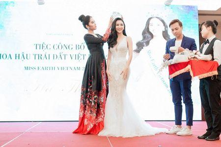 Nam Em trao vuong mien 'Hoa hau Trai dat Viet Nam' cho A hau Ha Thu - Anh 6