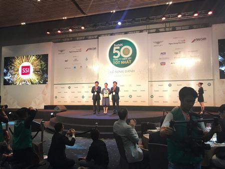 Vinh danh 50 DN niem yet tot nhat Viet Nam 2017: SSI gop mat lan thu 4, Vietjet, Petrolimex moi len san da lot top - Anh 3