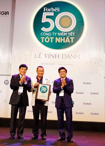 Vinh danh 50 DN niem yet tot nhat Viet Nam 2017: SSI gop mat lan thu 4, Vietjet, Petrolimex moi len san da lot top - Anh 5