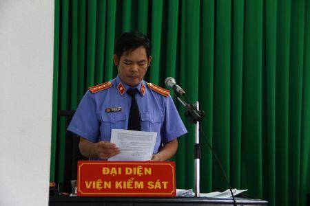Xet xu Pho Chanh Thanh tra nhan hoi lo: Bi cao yeu cau doi KSV - Anh 2