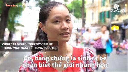 An uong khi mang bau de con thong minh: Quan diem me Tay khac hoan toan me Viet - Anh 3