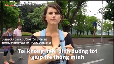 An uong khi mang bau de con thong minh: Quan diem me Tay khac hoan toan me Viet - Anh 4