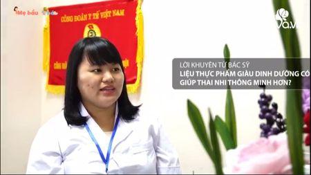 An uong khi mang bau de con thong minh: Quan diem me Tay khac hoan toan me Viet - Anh 5