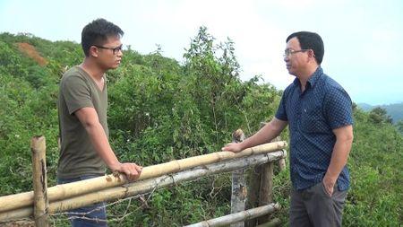 Vu phong vien Bao Cong ly bi hanh hung tai Hoa Binh: Su that da bi bop meo nhu the nao? - Anh 2