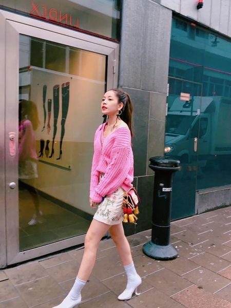 Sao Viet chuong style 'banh beo' khi xuong pho - Anh 3