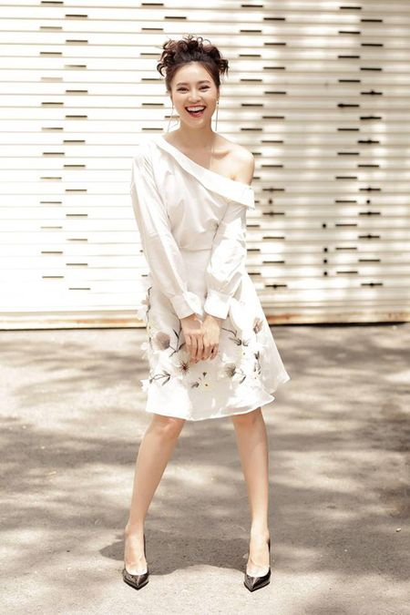Sao Viet chuong style 'banh beo' khi xuong pho - Anh 5