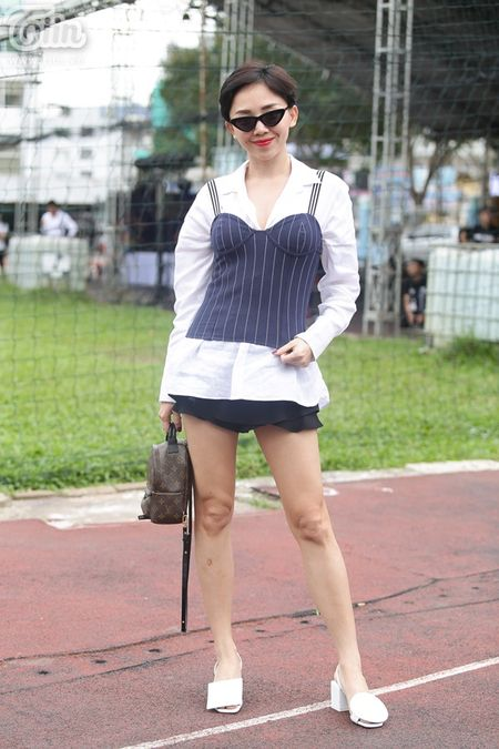 Toc Tien khoe dui thon muot mat tai buoi tong duyet - Anh 2