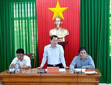 UBND tinh Quang Ngai huy Quyet dinh cong nhan viec 'cap nham' dat - Anh 1