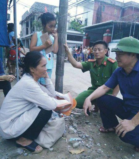 Cong an Ha Tinh sat canh cung nguoi dan ung pho bao so 10 - Anh 6