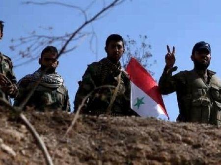 Quan doi Syria tiep tuc danh bat IS ra khoi nhieu lanh tho o Deir Ezzur - Anh 1