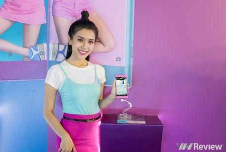 Sony Xperia XA1 Plus ve Viet Nam gia 7,2 trieu dong, co them mau hong nu tinh - Anh 1