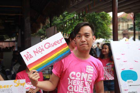 Ha Noi: Trien lam dau tien ve lich su cua cong dong LGBT tai Viet Nam - Anh 6