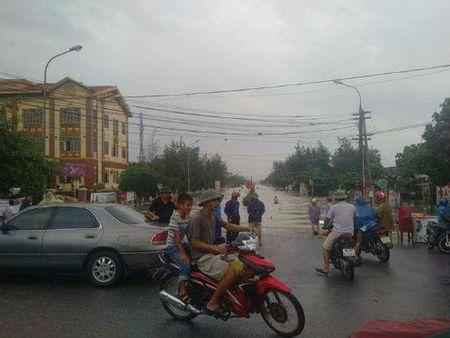 Nam Dinh: Trieu cuong dang cao, nhieu ki ot ngap trong nuoc - Anh 2