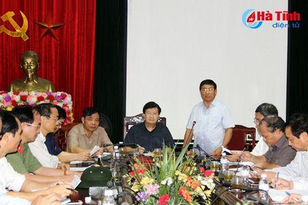 Pho Thu tuong Trinh Dinh Dung: Tap trung giup dan khac phuc hau qua mua bao - Anh 1
