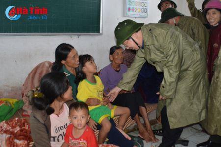 Pho Thu tuong Trinh Dinh Dung: Tap trung giup dan khac phuc hau qua mua bao - Anh 6