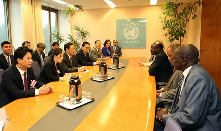 UNCTAD hop tac voi Viet Nam trong quan ly no cong - Anh 1