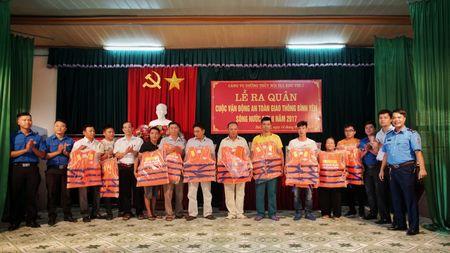 Cang vu DTND khu vuc I tang ao phao tai cac ben do ngang - Anh 1
