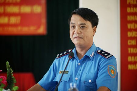 Cang vu DTND khu vuc I tang ao phao tai cac ben do ngang - Anh 2