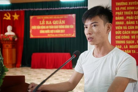 Cang vu DTND khu vuc I tang ao phao tai cac ben do ngang - Anh 4