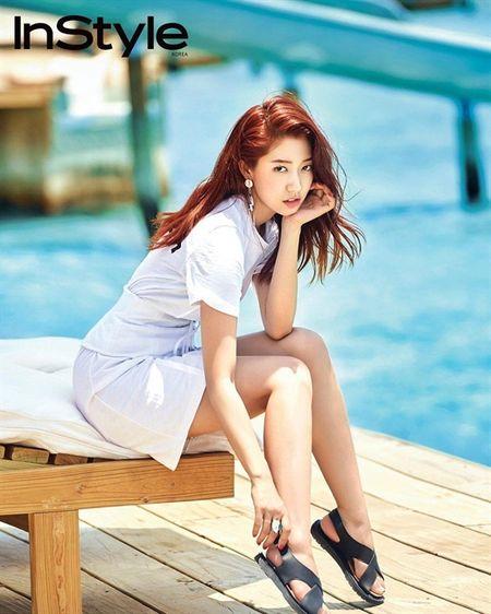 'Dau tim' voi loat anh quyen ru khong the tin noi cua Park Shin Hye tren bia tap chi - Anh 4