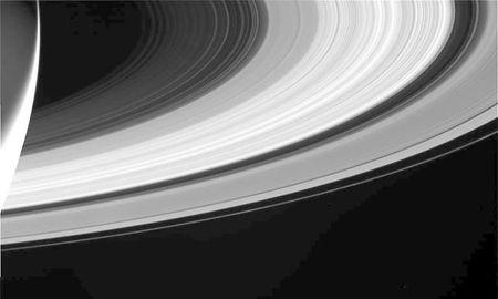 Nhung buc anh cuoi cung cua tau Cassini trong su menh sao Tho - Anh 1