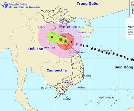 Bao so 10 tien sat vao Ha Tinh - Quang Binh - Anh 1