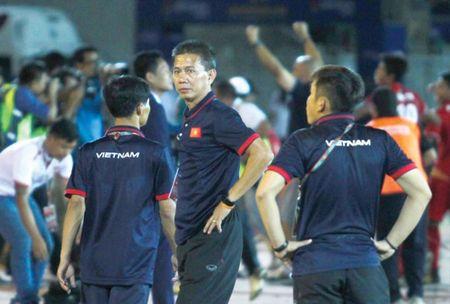 U18 Viet Nam bi loai, VFF cang them dau dau - Anh 1