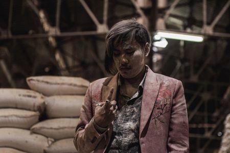 'Chi Pheo ngoai truyen': Thanh nhan dai ke khu kho - Anh 4