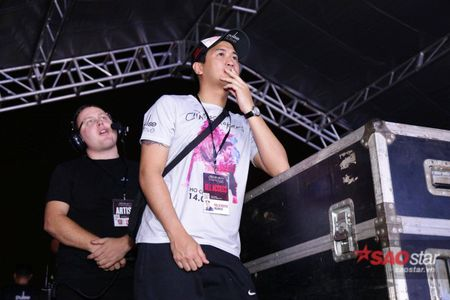 The Chainsmokers dien xong, fan van nan lai nghe Phillip Nguyen cam on day xuc dong - Anh 5