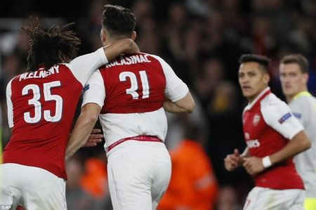Arsenal 'nguoc dong' nho sieu pham cua Alexis Sanchez - Anh 4