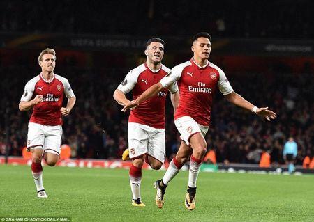 Arsenal 'nguoc dong' nho sieu pham cua Alexis Sanchez - Anh 6