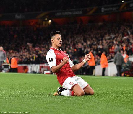 Arsenal 'nguoc dong' nho sieu pham cua Alexis Sanchez - Anh 7